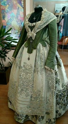 18th Century Dress, 18th Century Costume, 18th Century Fashion, Vintage Dresses, Vintage Outfits, Vintage Fashion, Historical Costume, Historical Clothing, Beautiful Gowns