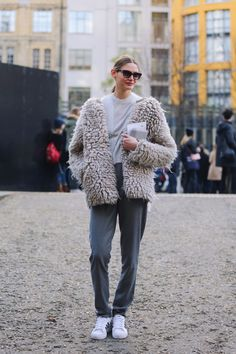 大きめファーコート。 もっと見る
