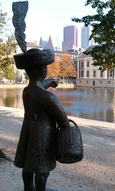 """""""In Den Haag daar woont een graaf en zijn zoon heet Jantje enz."""""""