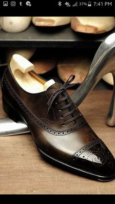 New Men's Handmade Coffee Brown Oxford Brogue Toe Leather Lace up Formal Shoes New Men 's Handmade Coffee Brown Oxford Brogue Toe Leder schnüren formale Schuhe Handmade Leather Shoes, Brown Leather Shoes, Brown Oxfords, Soft Leather, Suede Leather, Cowhide Leather, Men's Leather, Real Leather, Suit Shoes