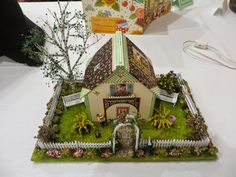 A ME QS house using the ME book as a roof by Fay Zerbolio on THE PERIPATETIC MINIATURIST: St Louis NAME Exhibits