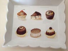 Petits gâteaux au chocolat ,plateau peint à la main par M.Muraz