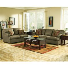 olive color couch in living room | ... living room furniture what about this wall color?
