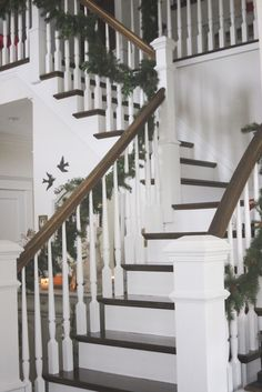 1000 Images About Decor Entries Halls Stairs On Pinterest Foyers