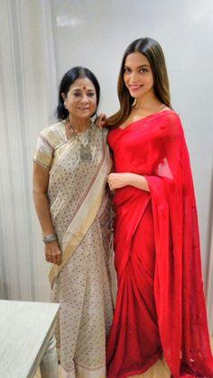 Deepika Padukone in a red saree by Ritu Kumar for a Kellogg's ad Deepika In Saree, Deepika Padukone Saree, Deepika Ranveer, Bollywood Bridal, Bollywood Fashion, Bollywood Stars, Indian Dresses, Indian Outfits, Shadi Dresses