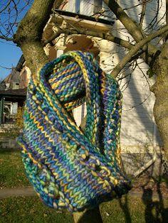 A FREE knitted mobius cowl pattern using one skein of malabrigo rasta Knitting Designs, Knitting Patterns Free, Free Knitting, Cowl Patterns, Free Pattern, Boyfriend Crafts, Crochet Patterns For Beginners, Crochet Ideas, Thing 1