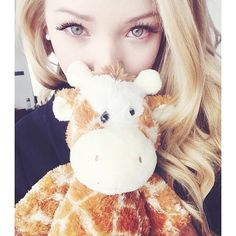 dove cameron   tumblr ❤ liked on Polyvore featuring pictures, dove cameron, backgrounds, icons and people