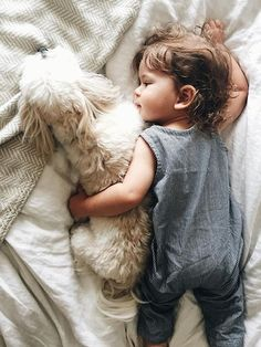Baby and his best pal. Baby and pet photos. themountainlaurel: Megan (via TumbleOn) So Cute Baby, Baby Kind, Cute Kids, Cute Babies, Cute Children, Little People, Little Ones, Foto Baby, Family Goals