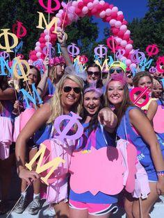 Phi Mu at University of Arkansas #PhiMu #BidDay #balloons #sorority #Arkansas