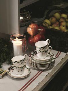 Royal Copenhagen - star fluted christmas