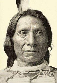 Tribal Chief Red Cloud was a war leader and a chief of the Oglala Lakota. Native American Pictures, Indian Pictures, Native American Tribes, Native American History, American Indians, Native Americans, Sioux, Red Cloud, Native Indian