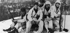 [Photo] Norwegian troops with Krag-Jørgensen rifles north of Narvik, Norway, May 1940 Narvik, Norwegian Army, Warring States Period, Research Images, History Online, Tromso, Korean War, Ocean City, Vietnam War