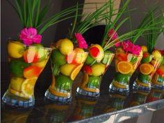 ¿Flores? ¡No, frutas! Para tener la boda más original e innovadora hicimos un artículo con el que harás una boda frutal. ¿Quieres innovar? No te lo pierdas.