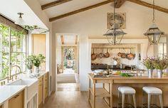 Brooke & Steve's Kitchen via Veranda.com #patinafarm #giannettihome