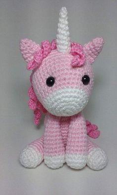Best 12 Most Loved Amigurumis Crochet Unicorn Pattern, Crochet Horse, Crochet Animals, Crochet Patterns, Crochet Gifts, Cute Crochet, Crochet Dolls, Crochet Baby, Crochet Quilt