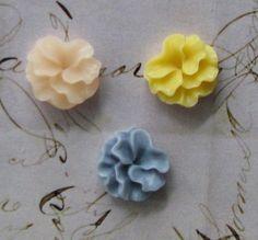 30 pcs Resin Flower Cabochons by SandraSupplies on Etsy, $4.75