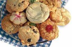 WENKE VIR KOEKIES BAK bakproses is baie akkurater as jy 'n skaal eerder as maatkoppies gebruik om die bestanddele af te meet. altyd die oondrak waarop jy jou bakplaat gaan sit, in die. 21st Bday Cake, Cinnabon Cinnamon Rolls, Cookie Recipes, Dessert Recipes, Food Art For Kids, Biscotti Cookies, My Cookbook, Lemon Recipes, Biscuit Recipe