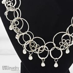 Interlinking Circles Necklace | Art Jewelry Magazine