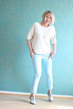 A fashion blog for women over 40 and mature women http://glamupyourlifestyle.blogspot.de/ Sweater: Zara Pants: Closed Shoes: Görtz