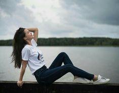 Friend Poses Photography, Teenage Girl Photography, Portrait Photography Poses, Photography Poses Women, Portrait Poses, Best Photo Poses, Poses For Pictures, Girl Photo Poses, Picture Poses