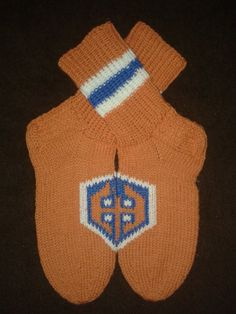 Beanie, Socks, Hats, Sweaters, Fashion, Moda, Hat, Fashion Styles, Sock