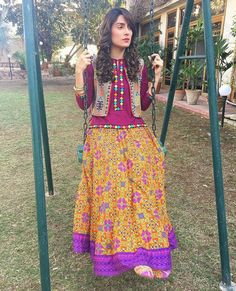 Funky Dresses, Stylish Dresses For Girls, Stylish Girl Pic, Pakistani Dresses Casual, Pakistani Dress Design, Casual Dresses, Frock Fashion, Modest Fashion, Fashion Dresses