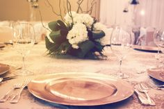 A classic and bold plate charger make an elegant wedding table setting.