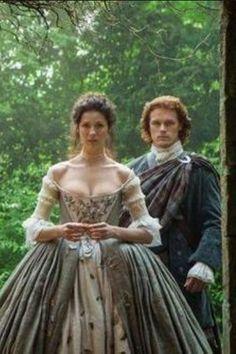 jamie claire outlander wedding...I just loved her dress!