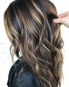 just say how much we love this balayage by Brittany Creech? We had to repost this one more time for that very reason ❤ just say how much we love this balayage by Brittany Creech? We had to repost this one more time for that very reas. Brown Hair Shades, Light Brown Hair, Brown Hair Colors, High Lights Brown Hair, Brown Hair Balayage, Brown Blonde Hair, Highlights For Dark Brown Hair, Dark Brown Hair With Highlights And Lowlights, Dark Brown Hair With Blonde Highlights