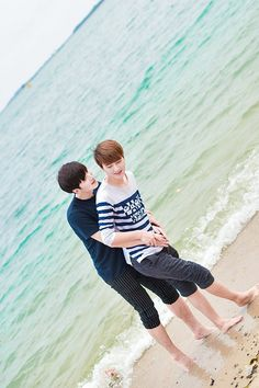 Baozi & Hana being lovey dovey (;´༎ຶД༎ຶ`) Couples Cosplay, Epic Cosplay, Lgbt Couples, Cute Gay Couples, Kids Photography Boys, Group Poses, Korea Boy, Korean People, Boyxboy