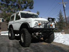 White as snow (1968 Ford Bronco)