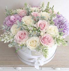 New Flowers Boquette Box Roses Ideas Beautiful Flower Arrangements, Silk Flowers, Spring Flowers, Beautiful Flowers, Lilac Roses, Pastel Flowers, October Flowers, Arrangements Ikebana, Floral Arrangements