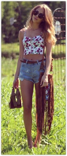 I'm really digging a bag with crazy fringe like this. Might need to be a project