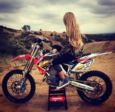 Moto Girls Do It Better