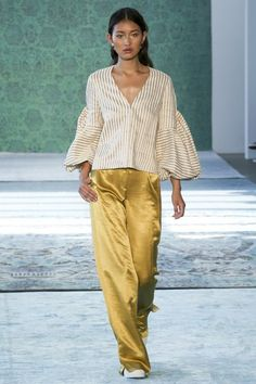 See the complete Hellessy Spring 2017 Ready-to-Wear collection.