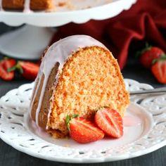 Best Ever Strawberry Pudding Cake {Easy Dessert Recipe} - The Busy Baker
