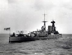 HMS Hood went down in 1941 & using highly sufficicated equipment loaned by an American billionaire the ships bell has been recovered for display at the Royal Navy Musium Portsmouth. Uk Navy, Royal Navy, Churchill, Hms Hood, Naval History, Royal Marines, Navy Ships, Submarines, Model Ships