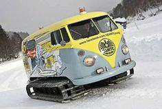 The VW Bus went into production 52 years ago today. The VW bus was one of the strangest vehicles to hit the road at that time. With its strange aerodynamic shape the VW bus was definitely eye-catching Bus Vw, Volkswagen Transporter, Volkswagen Jetta, Vw T1 Camper, Combi Split, Vw Camping, Automobile, Kombi Home, Combi Vw