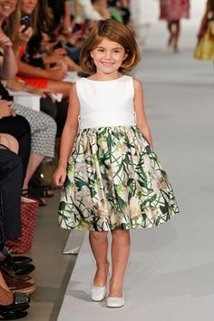 oscar de la renta kids spring 2013  beautiful dress, very 1950's, similar to an Easter dress I remember.