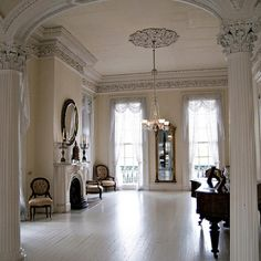 This is the room my parents were married in. This will be where little Jacques practices piano Luxury Homes Interior, Interior And Exterior, Antebellum Homes, Southern Plantations, Southern Homes, Southern Charm, Old Houses, My House, Savannah House