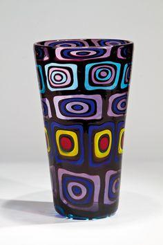 Vase ''Cattedrale'' Pollio Perelda (Entwurf), Fratelli Toso, Murano, 1957. Foto tomada de Live Auctioneers