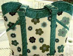Wavy Top Handbag/Tote - via @Craftsy