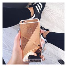 How INSANE is my new rose gold iPhone from @_creativegold_ thank you so much for making my phone extra sassy