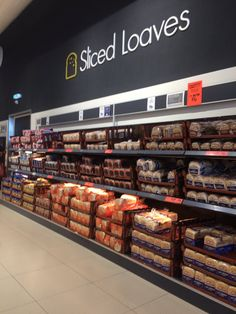 lidl new concept Bakery Store, Glass Wall Shelves, Retail Architecture, Store Signage, Retail Shelving, Spice Shop, Fruit Shop, Store Layout, Food Retail