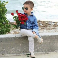656 mentions J'aime, 4 commentaires - 💖 Babies Cute Boy Outfits, Outfits Niños, Little Boy Outfits, Cute Little Girls, Kids Outfits, Pretty Girls, Cute Kids Pics, Cute Boys, Cute Babies