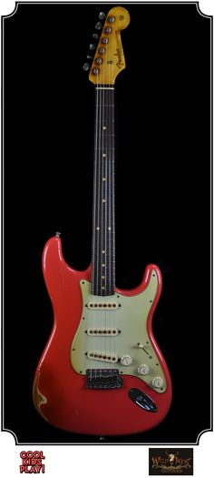 Fender Heavy Relic : 61 Stratocaster Masterbuilt by John Cruz for Wildwest Guitars. Relic'd Fiesta Red