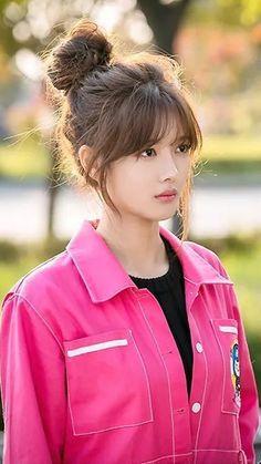 Korean Bangs Hairstyle, Korean Haircut, Hairstyles With Bangs, Pretty Hairstyles, Medium Hair Styles, Short Hair Styles, Kpop Hair, Asian Hair, Asian Bangs