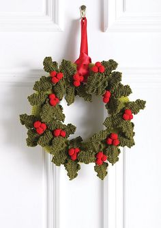 Christmas Holly Wreath pattern by Hayfield Christmas Holly Wreath this is a knit pattern, but can be done in crochet with the pinned holly design on this board Crochet Christmas Wreath, Crochet Wreath, Christmas Crochet Patterns, Holiday Crochet, Christmas Knitting, Crochet Ideas, Christmas Makes, Noel Christmas, All Things Christmas