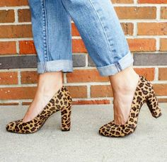 Everyday Fashion and Finance: How We Wear: Leopard Pumps Leopard Print Shoes, Leopard Pumps, We Wear, How To Wear, Fab Shoes, Kinds Of Shoes, Beautiful Shoes, Looking For Women, Her Style