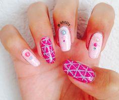Pink studded geometric nails | @krxsty
